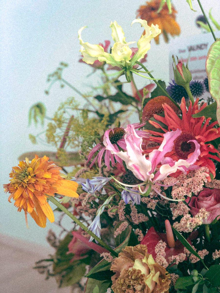 僕は花ではなく木になりたいだが、やはり花は美しいありがとう世界
