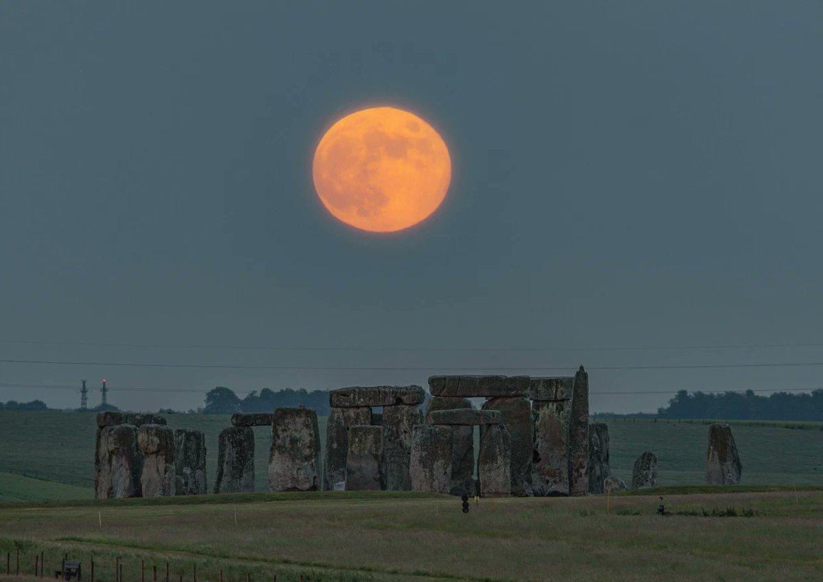 stonehenge moonlight - HD5678×4015