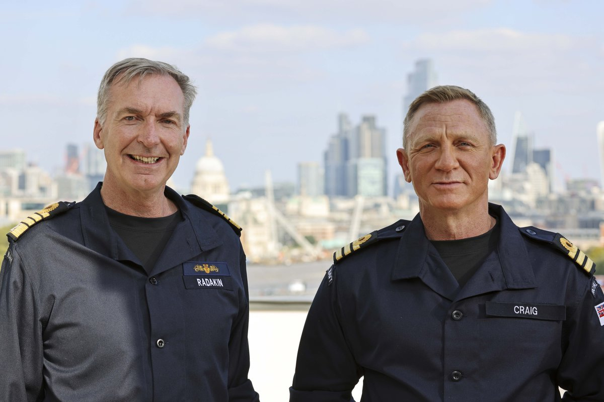 Actor Daniel Craig has been made an honorary Commander in the #RoyalNavy – matching the on-screen rank of James Bond. 🔗 ow.ly/DA3750Gf9Kp