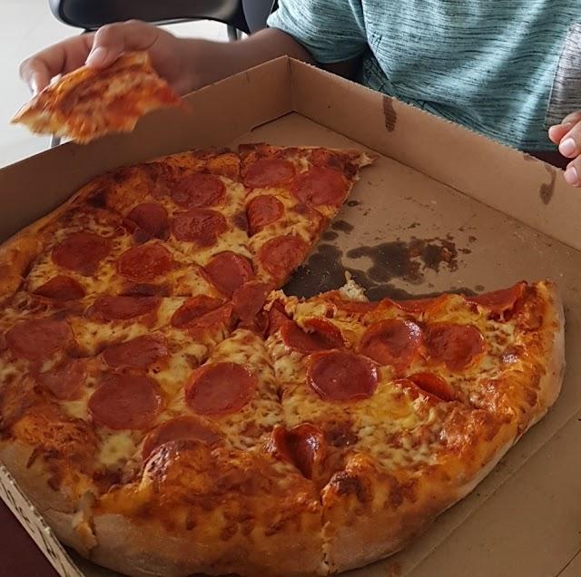 test Twitter Media - RT @_restaurant_bot: Peppers Pizza; 4, St Thomas St, Belize City, Belize https://t.co/lcQJIizJQX https://t.co/5HQquceXUs