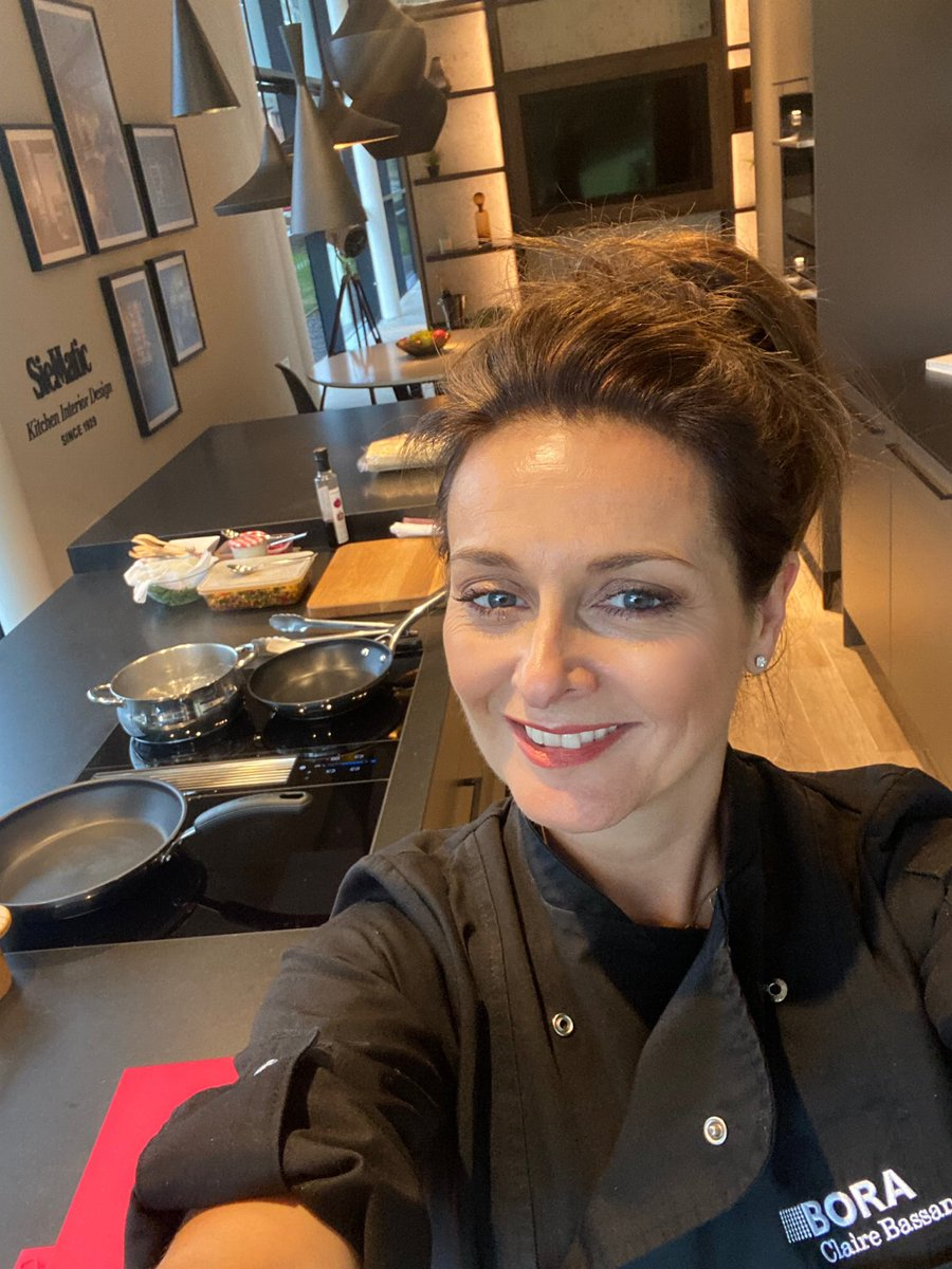 Feels good to be back in my BORA chefs jacket can't wait to cook for everyone tonight at KC design House @BORAGmbH #womenchefs #BORA #borachef #chefslife #boracookingsystems