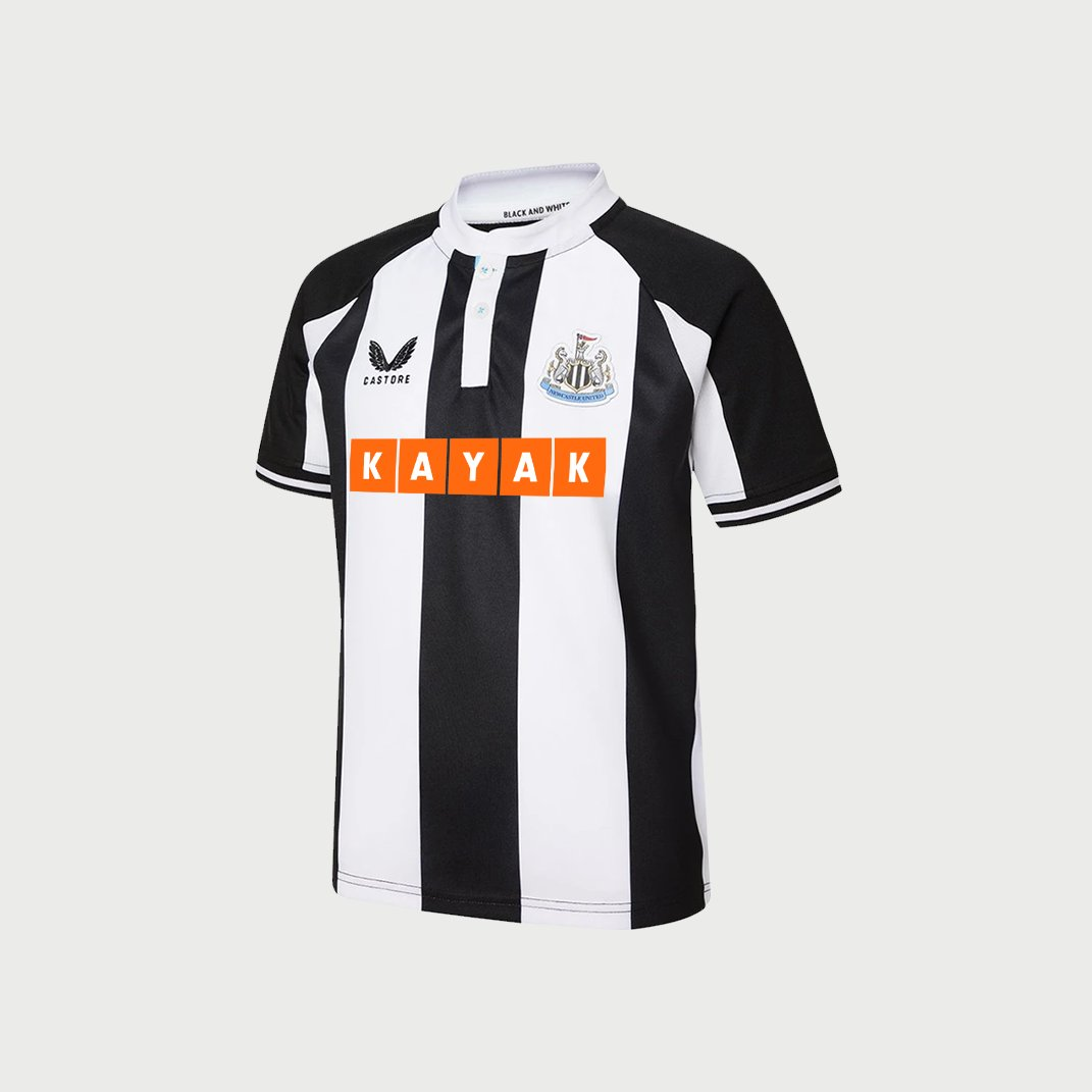 This looks so much better than our actual shirt 🤦🏻♂️  #NUFC