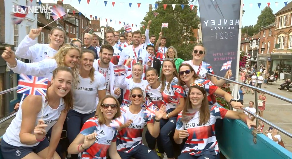 We should be very proud of our little old town!  The Heroes Welcome is a great way to celebrate the rowers' achievements at the Olympics.  It was well organised and also very well attended too!   #henley #heroeswelcome #henleyherald #TeamGB
