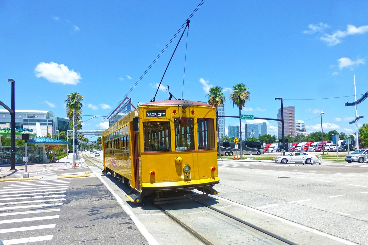 Photo of streetcar from 2014 without water street development
