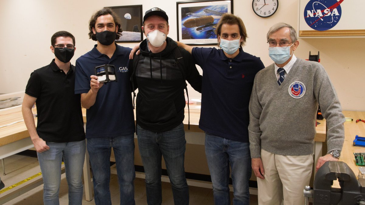 @NASA Although the Get Away Special team is part of the physics department at Utah State, the team is made of students from a variety of backgrounds, including engineering.   Read more about their project here:  https://t.co/1bxxO9NEKi  @PhysicsUsu https://t.co/rHbriiBYGp