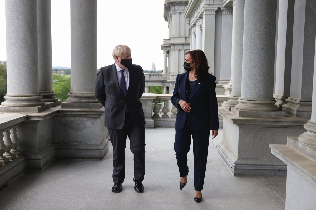 The Prime Minister met US @VP Kamala Harris in Washington, where they spoke about the extensive cooperation between our two countries on defence, security, trade and foreign policy. ➡️ gov.uk/government/new… 🇬🇧🇺🇸