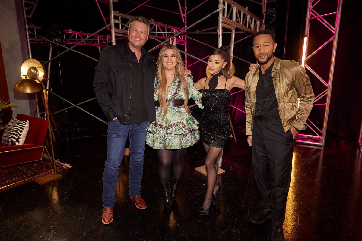 Night two of the season 21 premiere of @NBCTheVoice is tonight! What did y'all think of last night's performances? #TeamKelly #TheVoice https://t.co/o3Ol6ceo1X