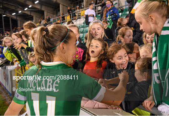 Katie McCabe and every single one of the players on that pitch are inspiring the next generation.   If anybody doubts the importance and value of women's football, and sport in general, just show them this photo. https://t.co/LzDAqcsuUF
