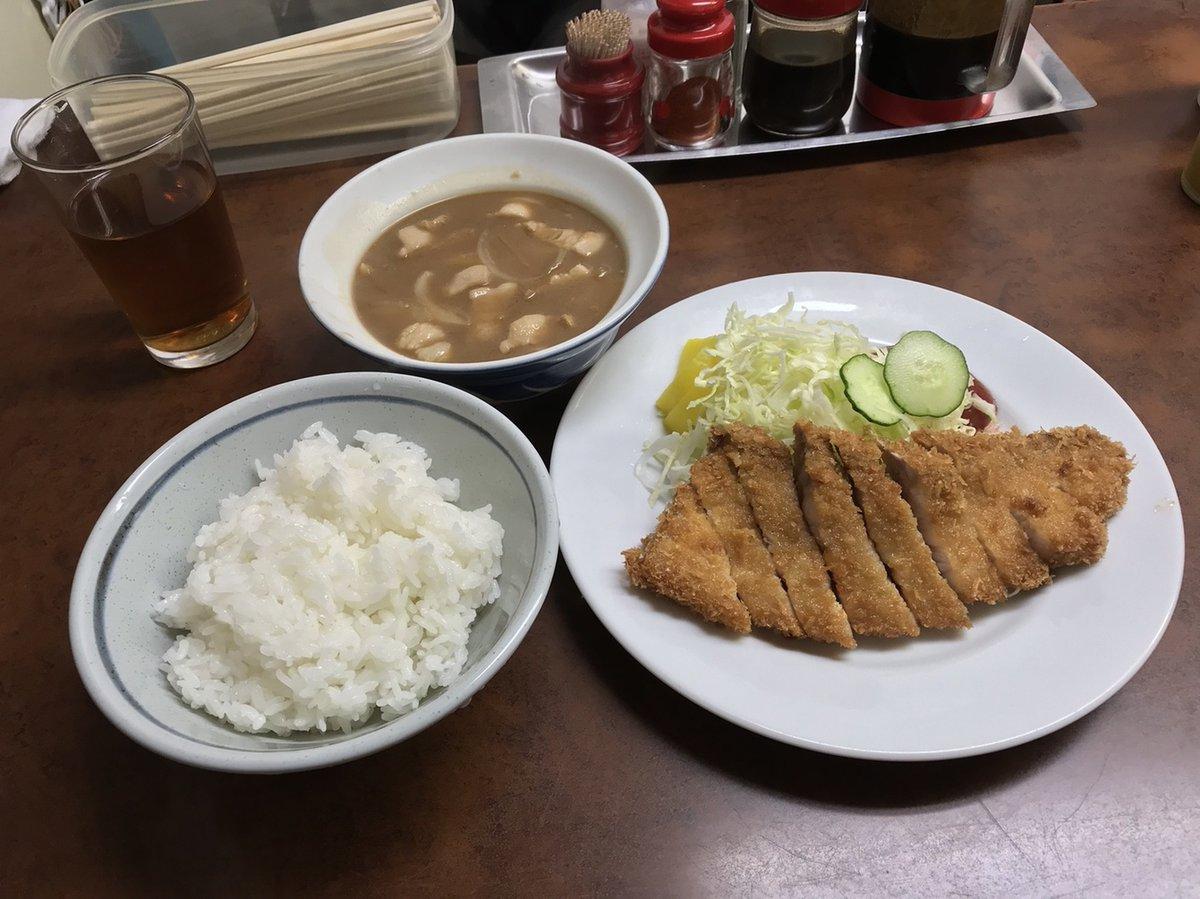 赤味噌と豚肉とタマネギのみのストイックで和風シチューのような珠玉の豚汁!(兵庫県姫路市駅前町)  #tabelog