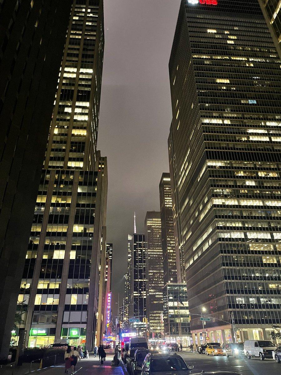 Yağmurlu bir New York akşamından kareler .
