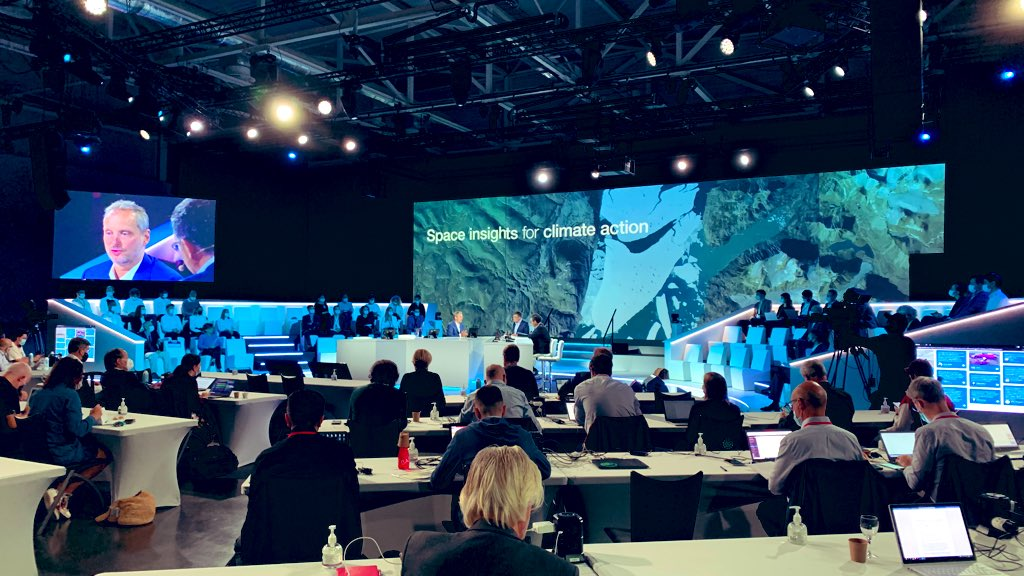 Day 2 of the #AirbusSummit has started, and it's time to look to the stars… very interested to see Airbus Space gurus @SchoellhornMike & @JeanMarc_Nasr talking climate change modelling, as well as @esa's own @AschbacherJosef.