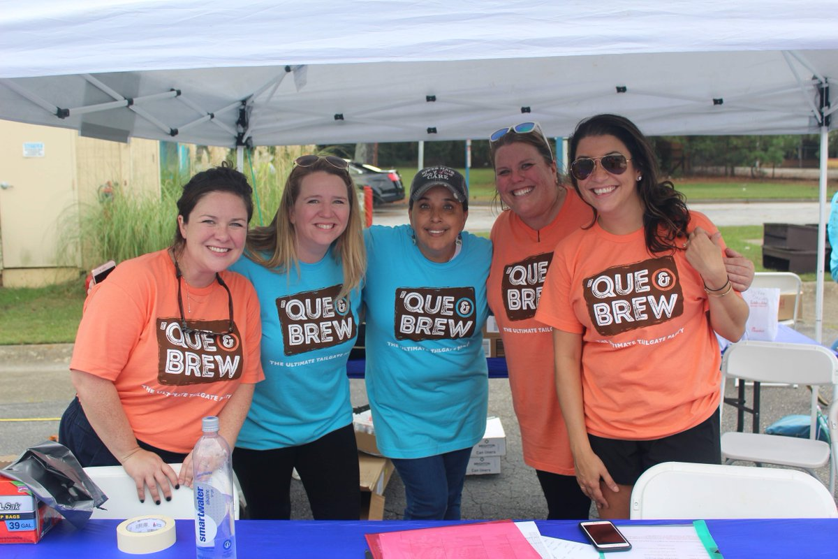 We will be there! Come volunteer with us. Guaranteed to be a good time, and a great chance to make a difference in your community! Let us know if you have any questions. #QueandBrew @TravelCobb @liveSAFEres https://t.co/jZoZQAy5gy