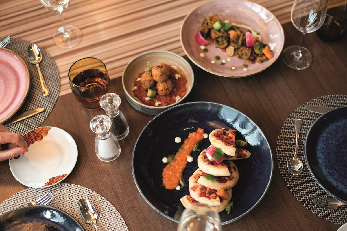 Introducing the first of 2 new specialty dining restaurants, Vasco. Named after explorer Vasco Da Gama, guests can enjoy seafood, spiced curries & grilled meats, cooked fresh to authentic recipes by our Goan chefs. Available on our new ships #Bolette & #Borealis  #CLIACruiseWeek https://t.co/iwxhFUIYAj