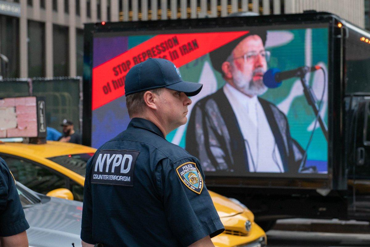 الرئيس الإيراني رئيسي ماضٍ في الكذب داخل اروقة الأمم المتحدة لكن خارج المبنى في