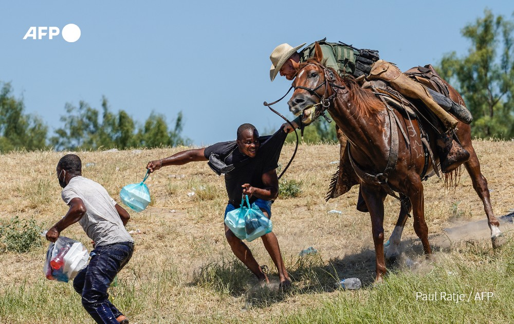 *NEW COLUMN* The sight of US border agent horsemen charging into desperate Haitian migrants shames America – but how dare President Biden pass the buck for this chaos when it's HIS shocking 'Get out but come in!' mixed messaging that's causing it? dailymail.co.uk/news/article-1…