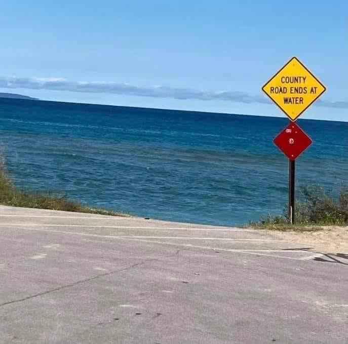 RT @TheRealPalMal: Well Google Maps told me this road goes straight to Atlantis https://t.co/jNoPh70zng