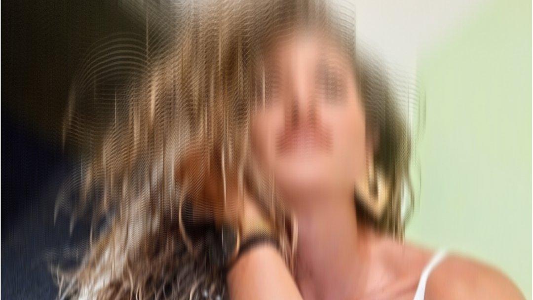 Σοκ στη #Ρόδο με τη δολοφονία 31χρονης γυναίκας στη μέση του δρόμου από τον πρώην σύντροφό της, ο οποίος λίγο αργότερα αυτοκτόνησε. Ζωντανή σύνδεση με τη Ρόδο και την Κ. Ρίστα στο Κεντρικό Δελτίο Ειδήσεων στις 19:50 με τη Μάρα Ζαχαρέα #starchannelnews #γυναικοκτονια #αυτοκτονια