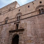 Image for the Tweet beginning: Cura del Covid, a Palermo