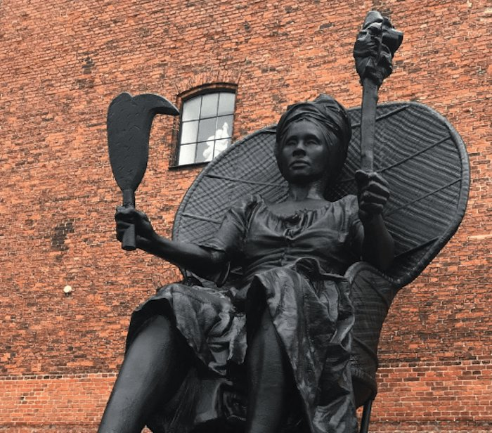 """Denmark's first statue of a black woman, entitled """"I am Queen Mary"""", celebrates Mary Thomas, a 19th-century rebel who led the largest labour revolt in Danish colonial history, by Danish artist Jeannette Ehlers and Virgin Islander artist La Vaughn Belle #WomensArt"""