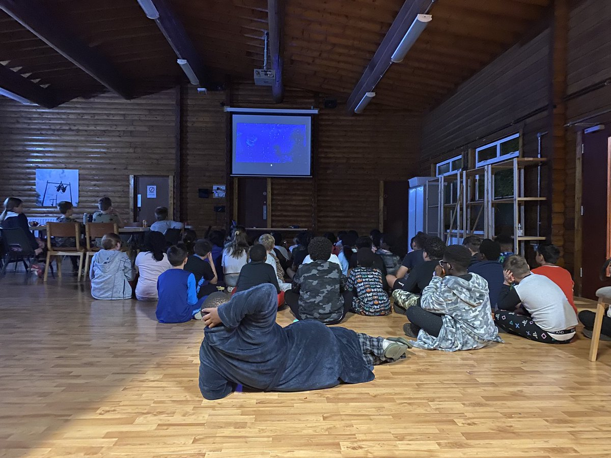 How do you top off the most fantastic day? A trip to the tuck shop ( for sweet supplies), pjs and a good film! #livingourbestlife #sleeptighttimeforbed