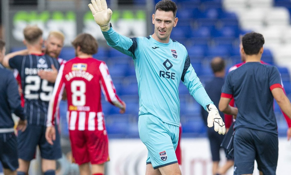 Ross County manager Malky Mackay urges goalkeeper Ross Laidlaw to show he merits a recall dlvr.it/S8591s