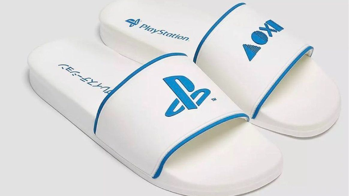 Pull&Bear x PlayStation Slides  AS: PB: