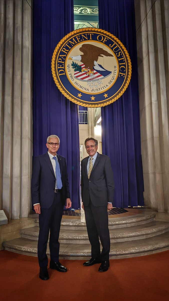 Good to speak with @TheJusticeDept's Deputy Assistant Attorney General Bruce Swartz. An opportunity to follow up on recent #G7 ministerial meeting and how INTERPOL and the US can expand ongoing initiatives to address transnational crime threats.