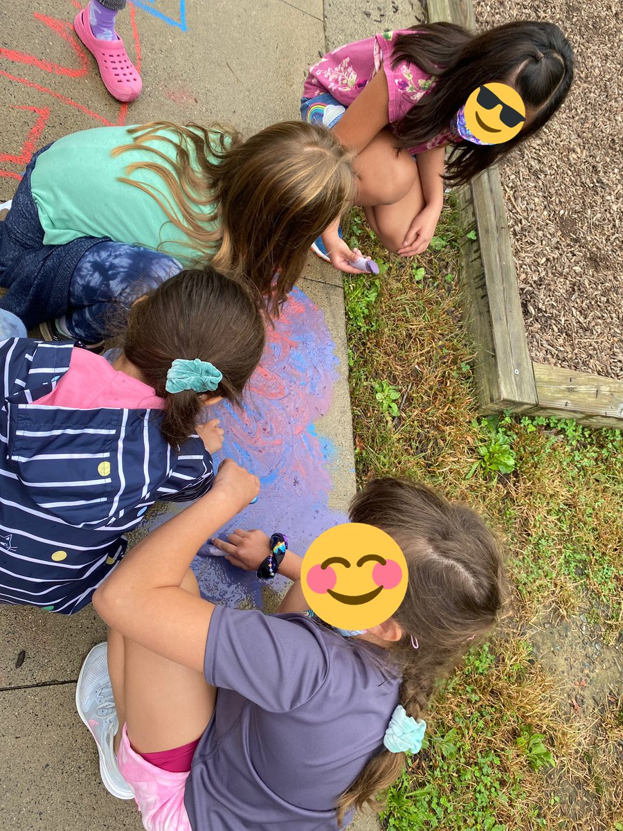 Recess fun with chalk! <a target='_blank' href='https://t.co/pctCr9q1ur'>https://t.co/pctCr9q1ur</a>