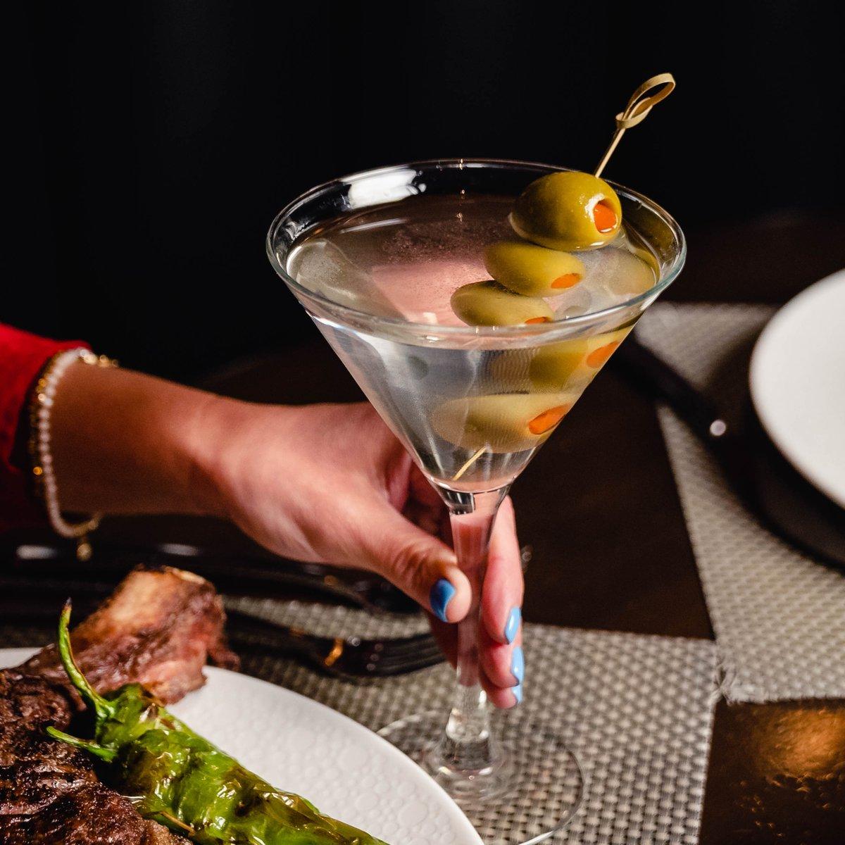 Tender Steakhouse, F&B, Food, Luxor, LUX, Happy Hour,
