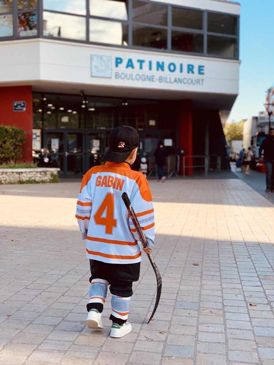 Image for the Tweet beginning: #jeudiphoto le hockey sur glace