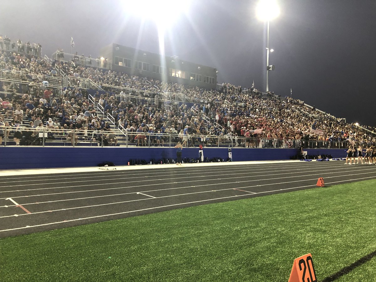 Don't be a lone wolf, join the rest of the pack this Friday Night at the Den. #FridayNightLights #Homecoming2021 https://t.co/Bj3YoNaCzl