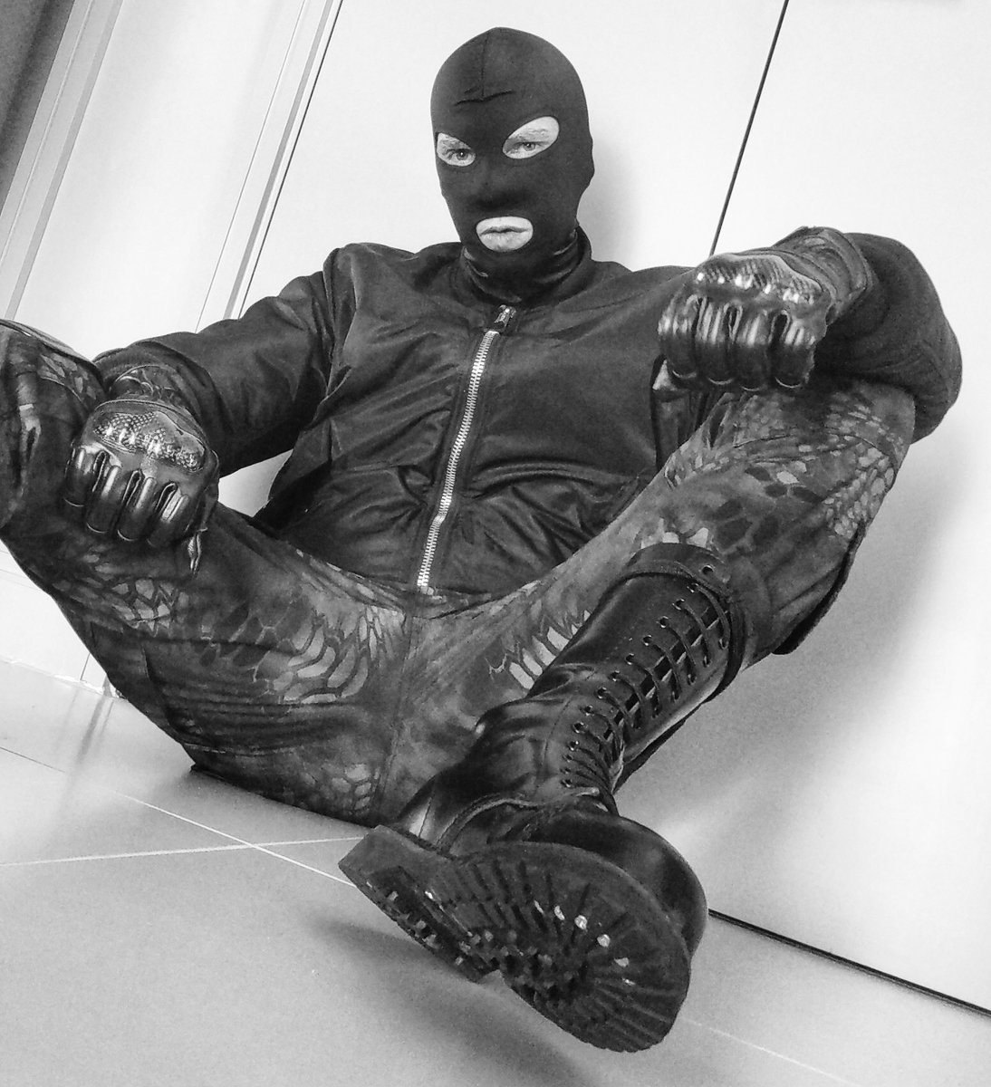 Boots, gloves and a balaclava. Sorted.