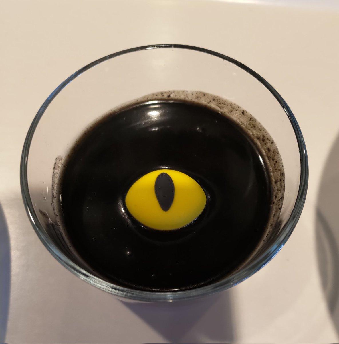 色々と足らない?黒猫プリンを頼んだ結果。「ちょっと思ってたのと違った」