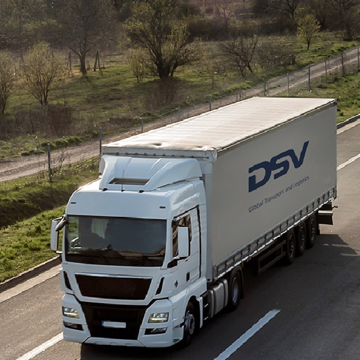 Whether you have a single shipment, a few pallets or multiple full loads every week, we can handle your cargo for all your road freight needs.  Discover our solutions for you on https://t.co/YnO4nZQEUQ   #dsv #moveforward #transport #logistics #markets #economy #cargo #sales https://t.co/jab7HKj7Dj
