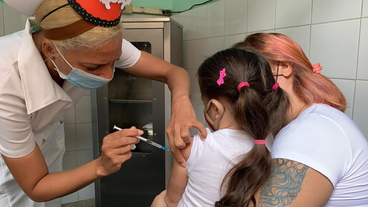 Cuba became the first country in the world to vaccinate children as young as two-years old. As of last week, kids ages 2-18 are receiving doses from the domestically produced Soberana 02 and Soberana Plus vaccines. #HispanicHeritageMonth #HealthcareNotWarfare