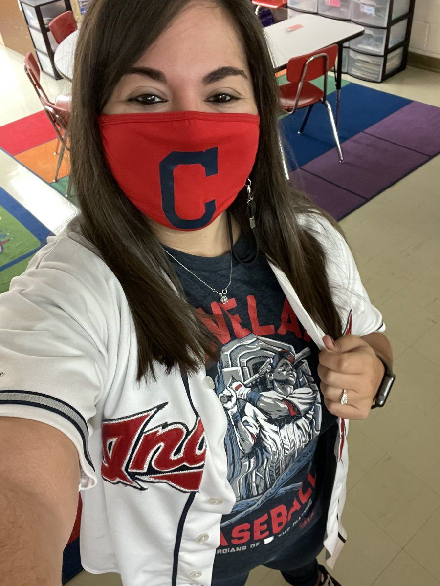 RT @MissBraun_: Fan day has me repping the Cleveland @Indians, with a nod to the Guardians thanks to @GVartwork! https://t.co/KlAsSZtIJG