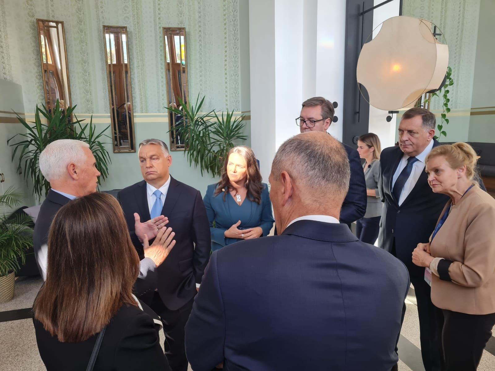 Dodik sa Janšom i Orbanom na desničarskom summitu u Budimpešti - Page 2 E_9AkWxXMAIXT5w?format=jpg&name=large