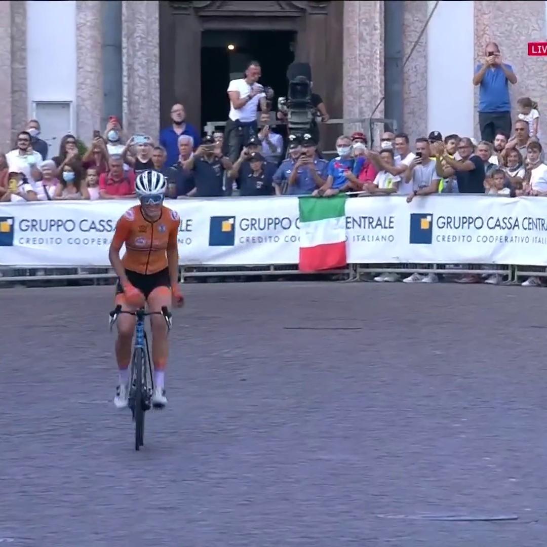 🤩 ¡Qué exhibición!  🇪🇺 Ellen Van Dijk es la nueva campeona de Europa