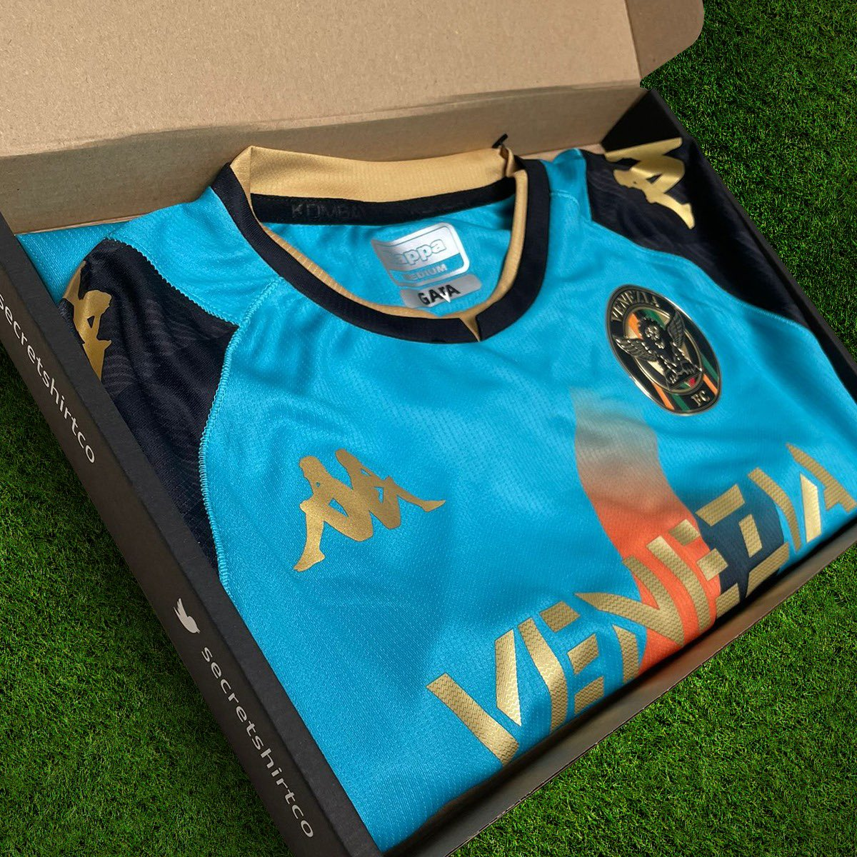Venezia kits hit different. 💧 We've got a few going out with today's orders. 🇮🇹 Get your Secret Shirt here 👇 SecretShirt.co