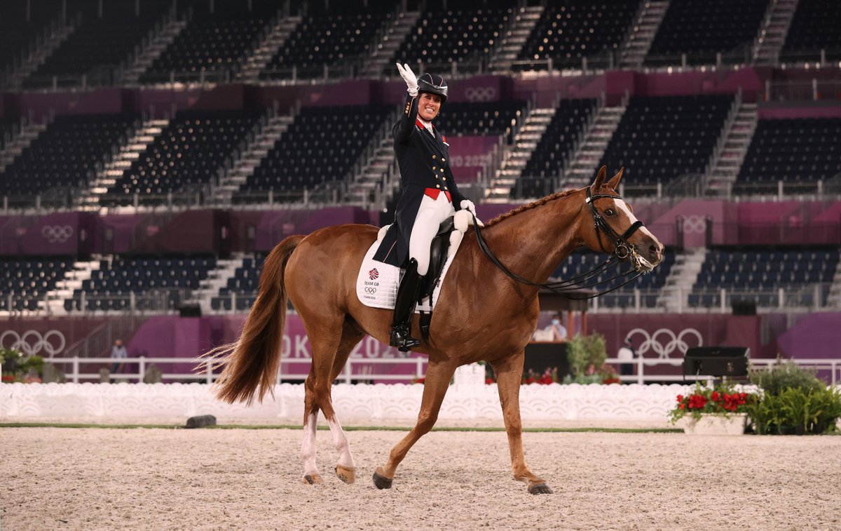 Another star performance from @CSJDujardin and Gio 🌟 Charlotte wins European Freestyle dressage bronze for @BritEquestrian, the 20th major medal of her illustrious career 🥉 #FEIEuros2021