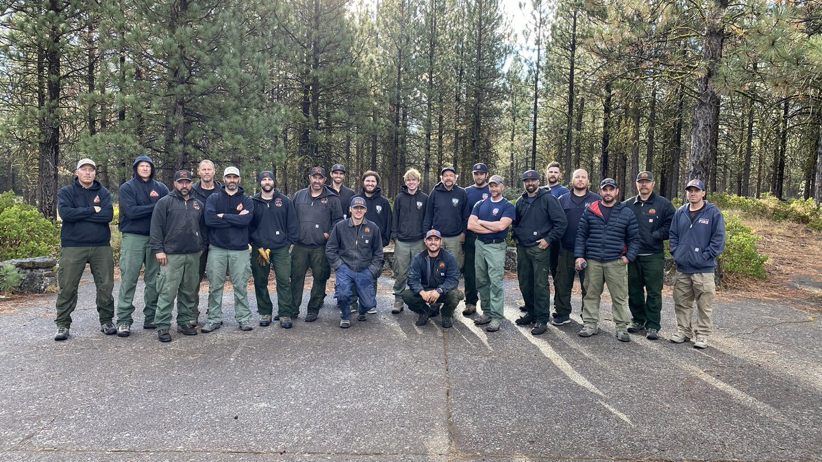 21 of Utah's best wildland firefighters are returning home today (9/11) after having spent a long two weeks on the the most active portion of the #DixieFire, which is California's largest single fire in State's history. Welcome home gentlemen and thank you for representing #UTAH.