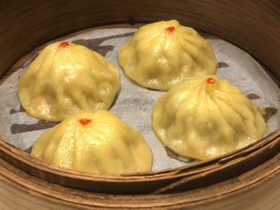 シンガポールから、カレー小籠包とカレー炒飯。「京華小吃 恵比寿店」-<カレー細胞>-  #tabelog