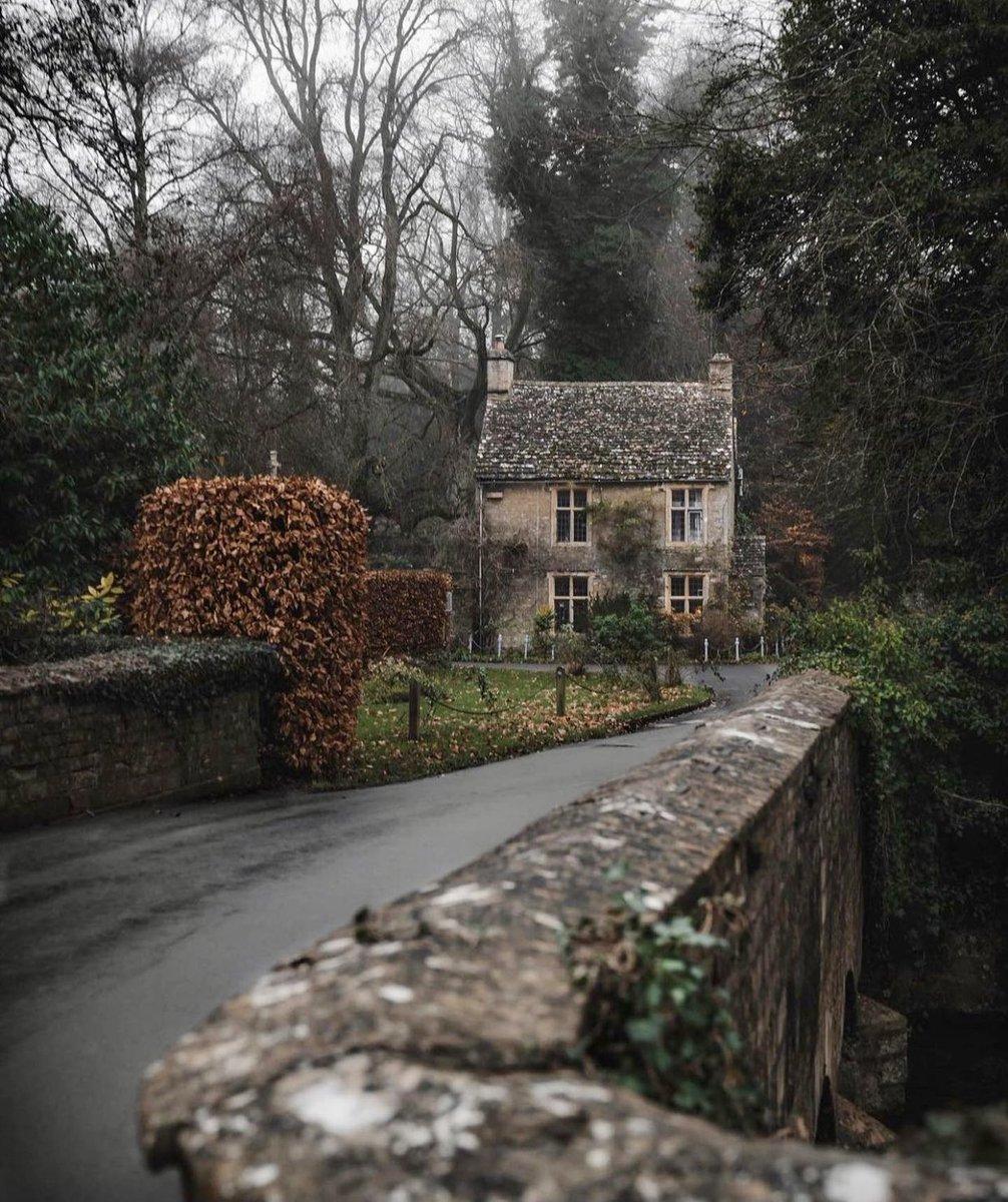 Ampney Crucis, UK 🇬🇧