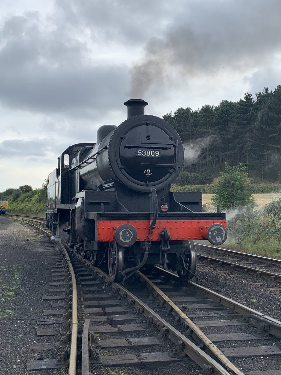 Ready and waiting…@nnrailway