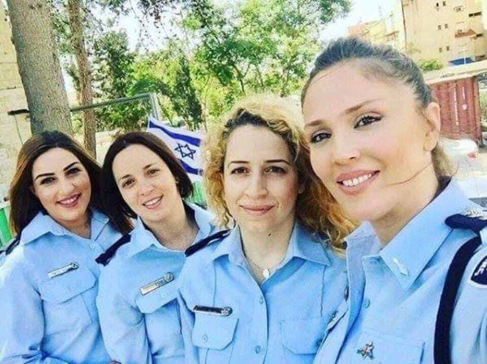 التعايش في إسرائيل في كل مجالات  العمل  وخدمة المجتمع. مسلمة، مسيحية ،درزية