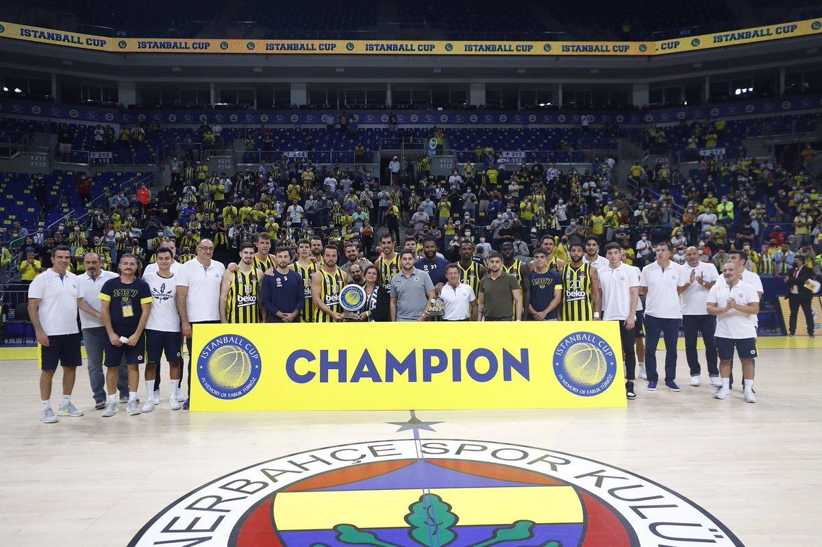 Uluslararası 'Istanball Cup' basketbol turnuvasının finalinde karşılaştığı Sırbistan temsilcisi Partizan'ı 89-62 mağlup eden Fenerbahçe Beko şampiyon oldu.