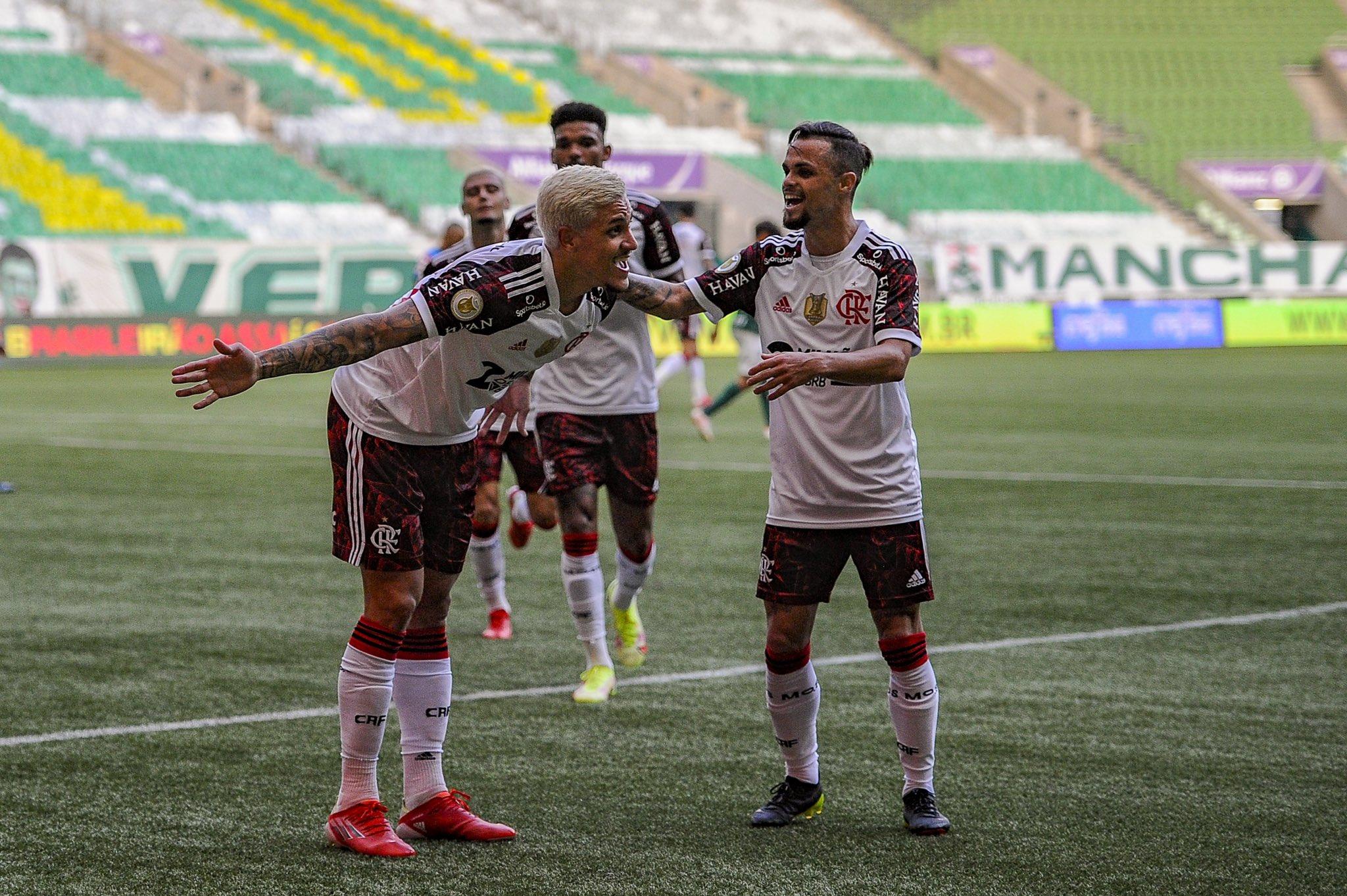 [COMENTE] Como você avalia o desempenho do Flamengo na vitória diante do Palmeiras?