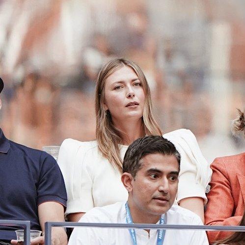 🎾 Maria Sharapova da #USOpen finalini takip edenler arasında.