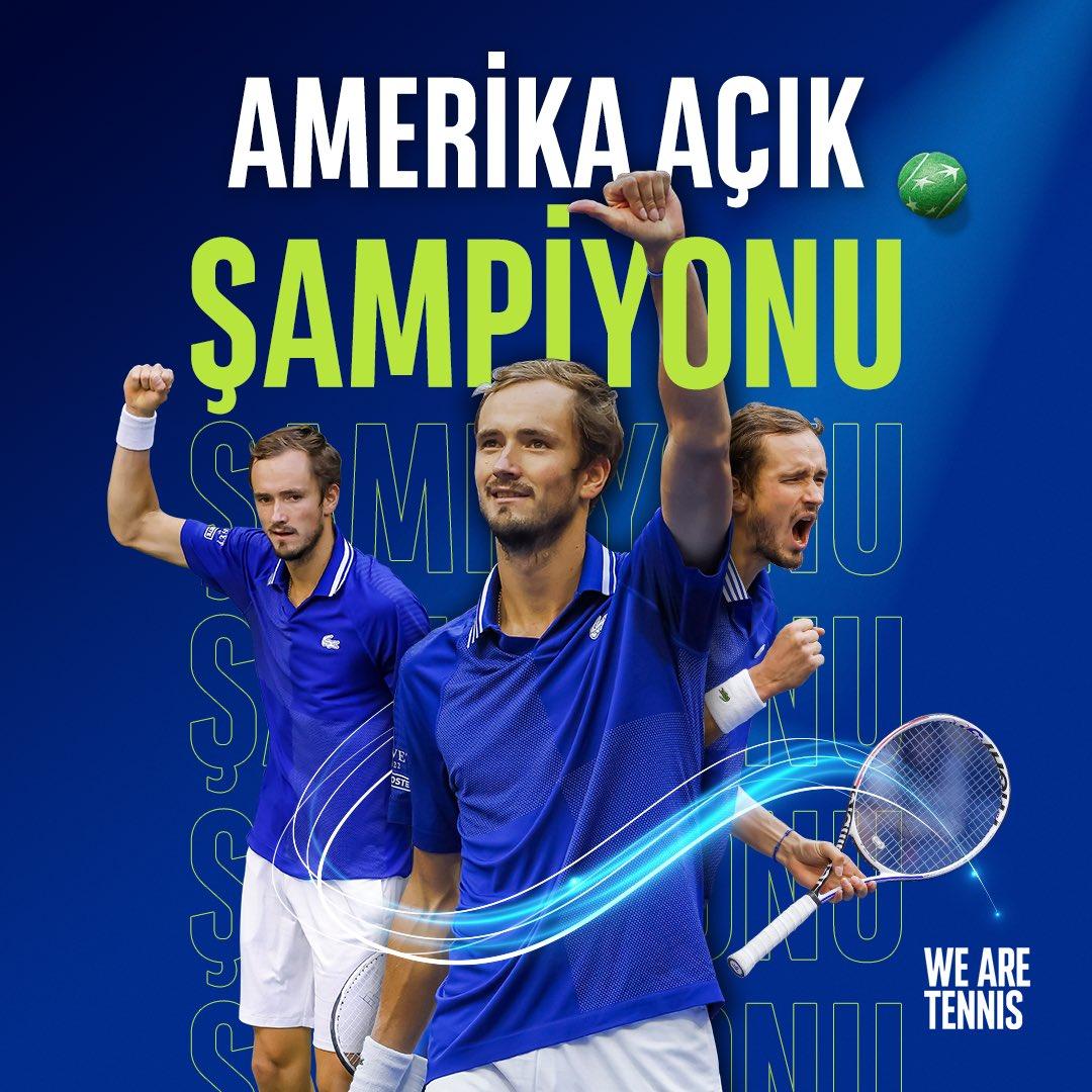 Daniil #Medvedev Amerika Açık Şampiyonu! İnanılmaz bir maç sonrası Dünya 2 Numarası Medvedev, Novak #Djokovic'i 6-4, 6-4 ve 6-4'lük setlerle yenerek #USOpen'da kupayı kaldırıyor 🏆