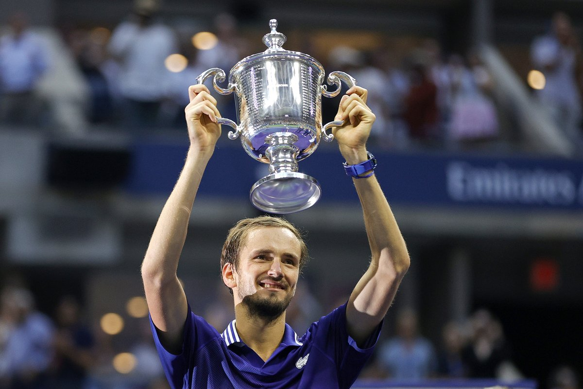 Unstoppable. Congrats on your first Grand Slam major! 🏆 @DaniilMedwed | #USOpen